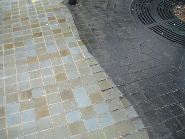 City centre paving cleaning in Manchester