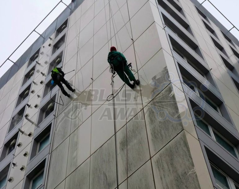 Abseil pressure washing